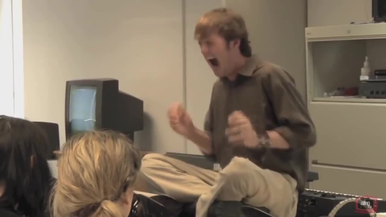 Todd Howard screaming for two minute straight.. .. Todd finding out that he cant port Skyrim to the PS1