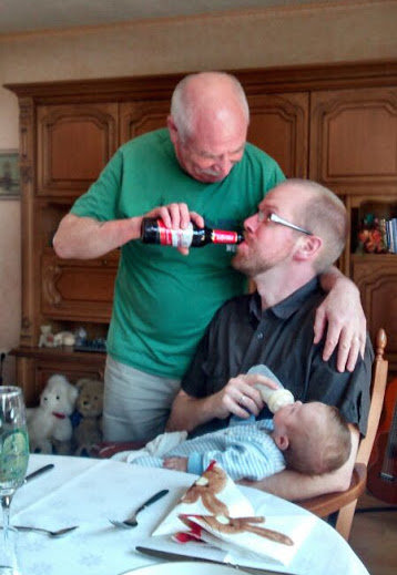 3 generations feeding. .. I'd rather see the female version