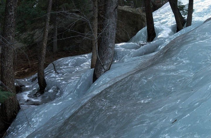 A frozen flood. .. looks like early 3d water