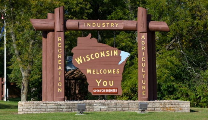 Facts about Wisconsin. Saltyfries here, I would like to welcome you to Wisconsin! This fact comp is all about Wisconsin and nothing but Wisconsin. SO LETS GO! W