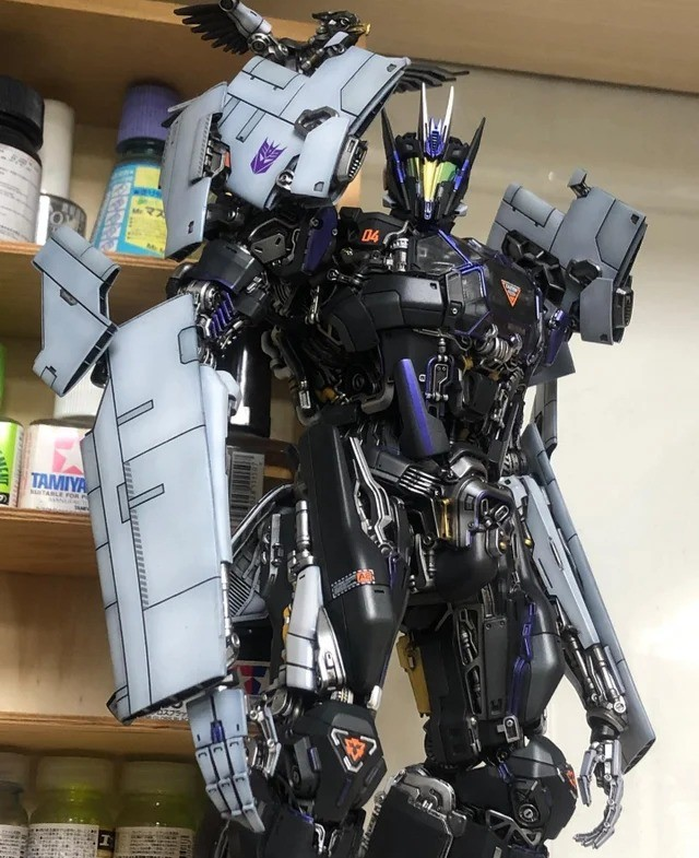 Prime Soundwave re-imagined by nakomake. .. holty the details and colors are godly , better than faghammer minisComment edited at .