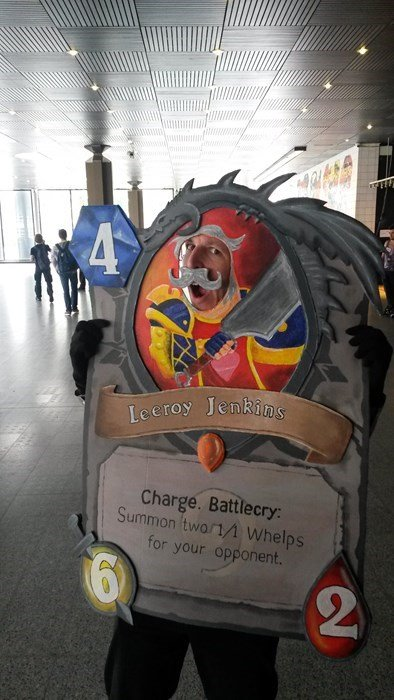 The best Hearthstone cosplay. .. His friend FW he rushed to the convention only to realize it was tomorrow.