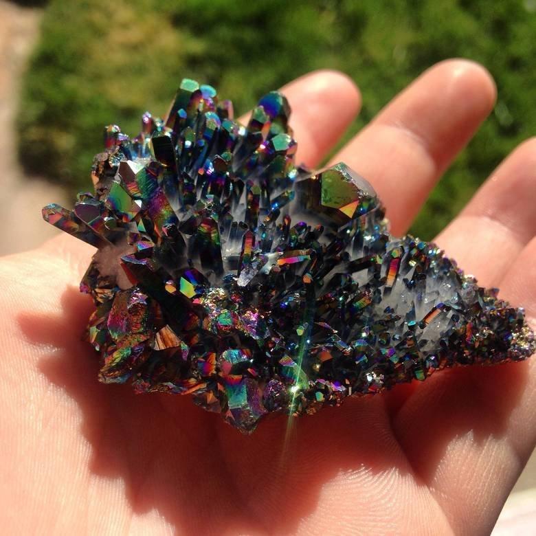 titanium quartz. i crave that mineral.