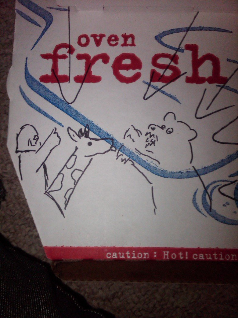Today while ordering pizza (see des). i was having a day today. so i phoned up domino's and asked if they can draw something on the box to cheer me up and this