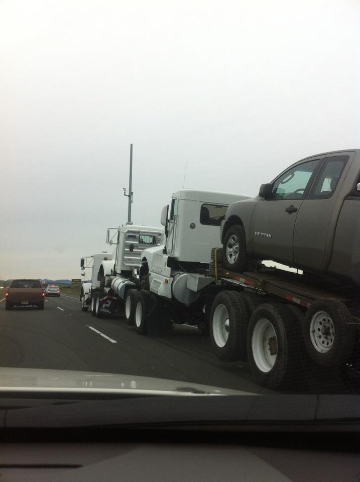 Truck sex. 1.2.3.4.five.. Autobot centipede! :o
